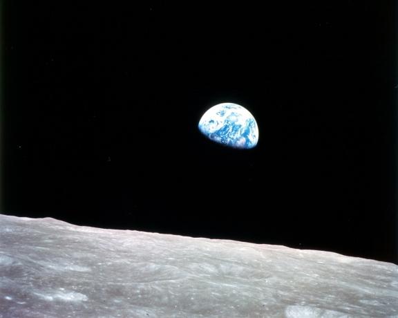 La Tierra vista desde la Luna por los astronautas del Apollo 8. Imagen cortesía de la NASA.